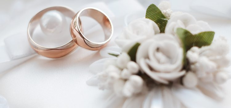 shutterstock 260323670 750x350 - Có được đăng ký kết hôn ở nơi tạm trú không?